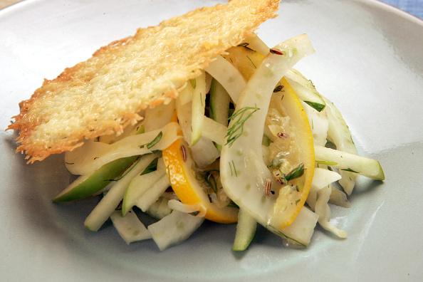 Салат из фенхеля с яблоком